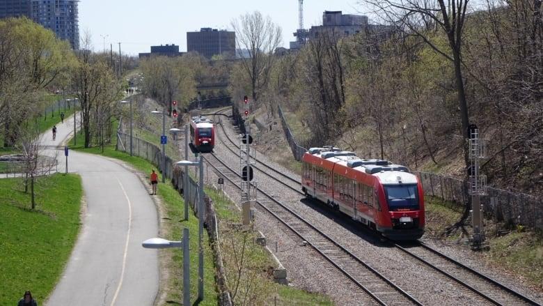 o-train-trillium-line-ottawa-rail-bayview-carling.jpg